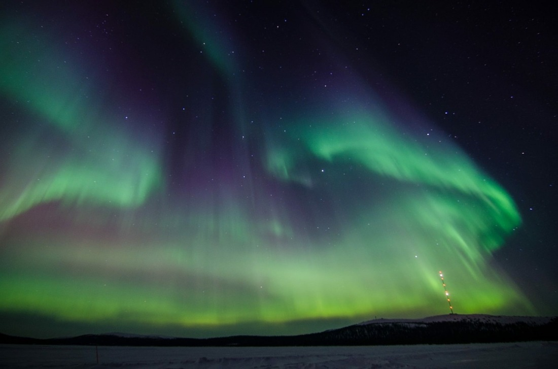 northern-lights-2812374_1280